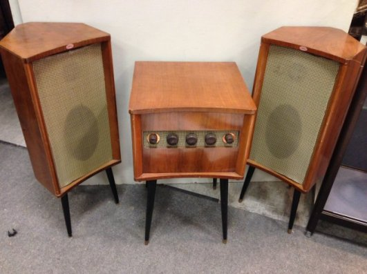 stereo-capitol-set